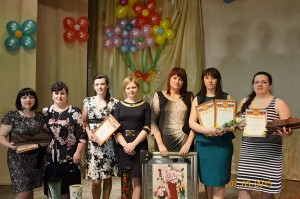 Участницы поселкового конкурса Сударушка